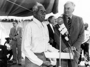 Gough Whitlam returns traditional lands in the Northern Territory to the Gurindji people.