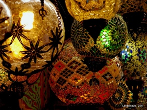 Ramadan lanterns in Albayzin. By: Landahlauts